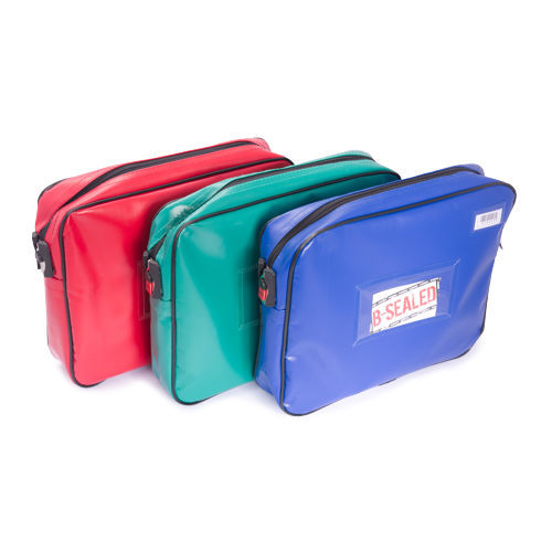 P1 300 x 250 x 50mm Pouch type Bag